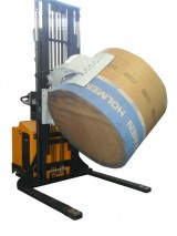 Self-propelled stacker with rotating clamp