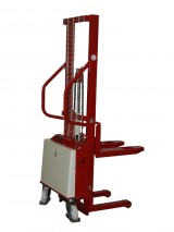 Semi-electric Stacker with standard forks