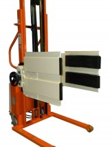 Semi-electric stacker with manual clamp to handle boxes or reels