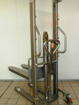 Stainless steel manual stacker